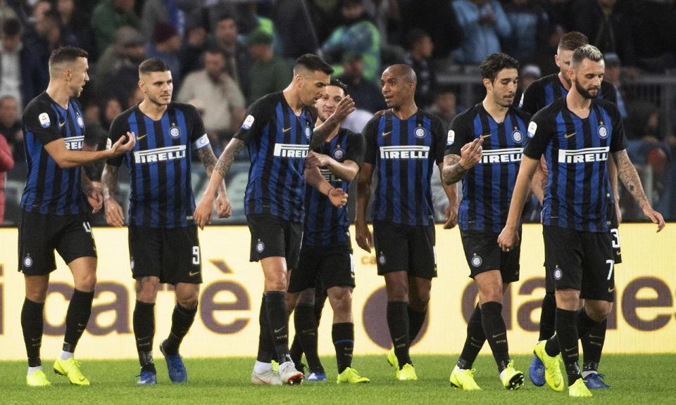 Itália: Inter assume vice-liderança na estreia de João Mário
