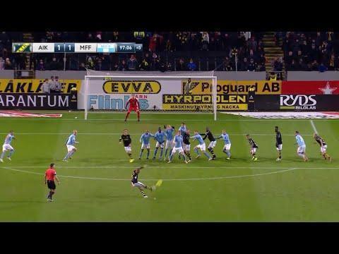 VÍDEO: marca golaço, celebra na cara dos adversários e acaba expulso