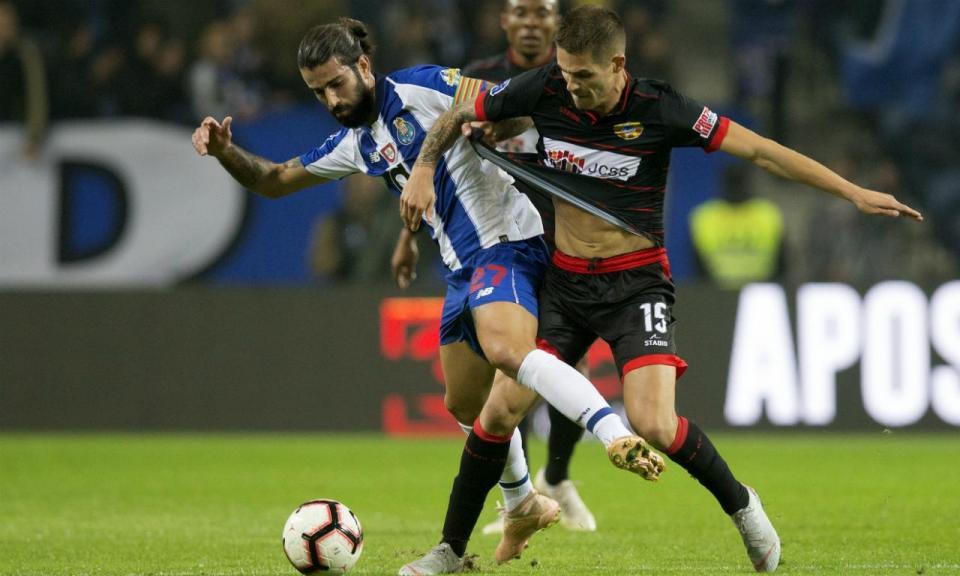 Estrela: «O poderio do FC Porto veio ao de cima e não resistimos»
