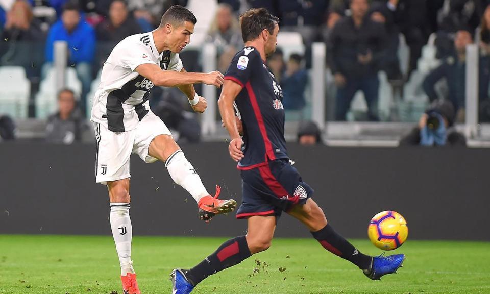 Itália: Ronaldo assiste na vitória da Juventus sobre o Cagliari