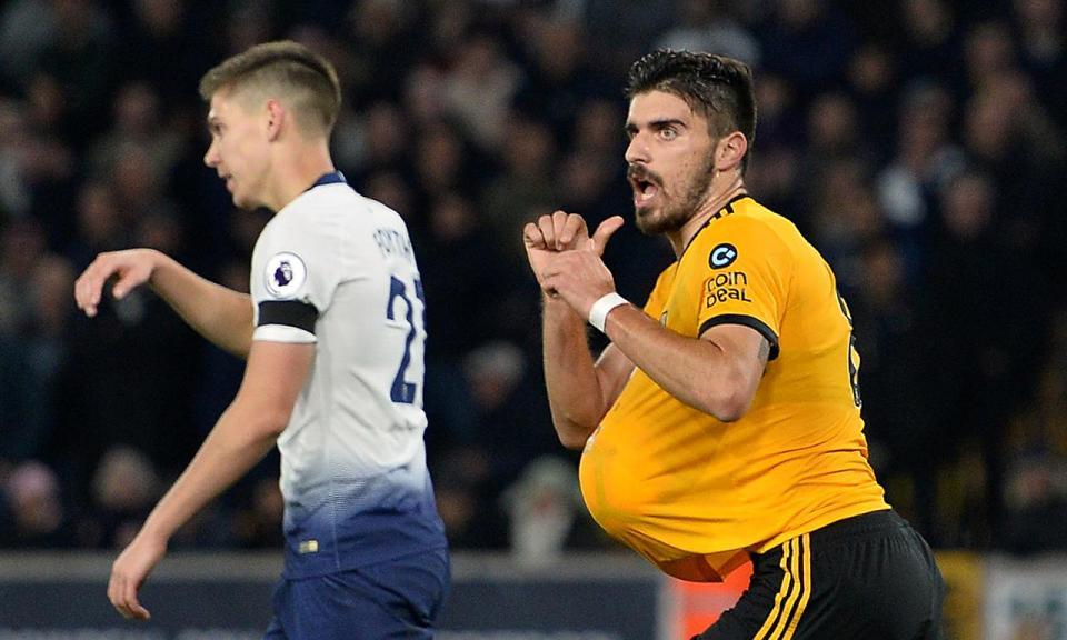 Rúben Neves e Jiménez marcam mas Wolves perdem com o Tottenham