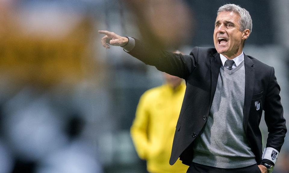8ff1ff1a3d V. Guimarães  Luís Castro continua no comando técnico