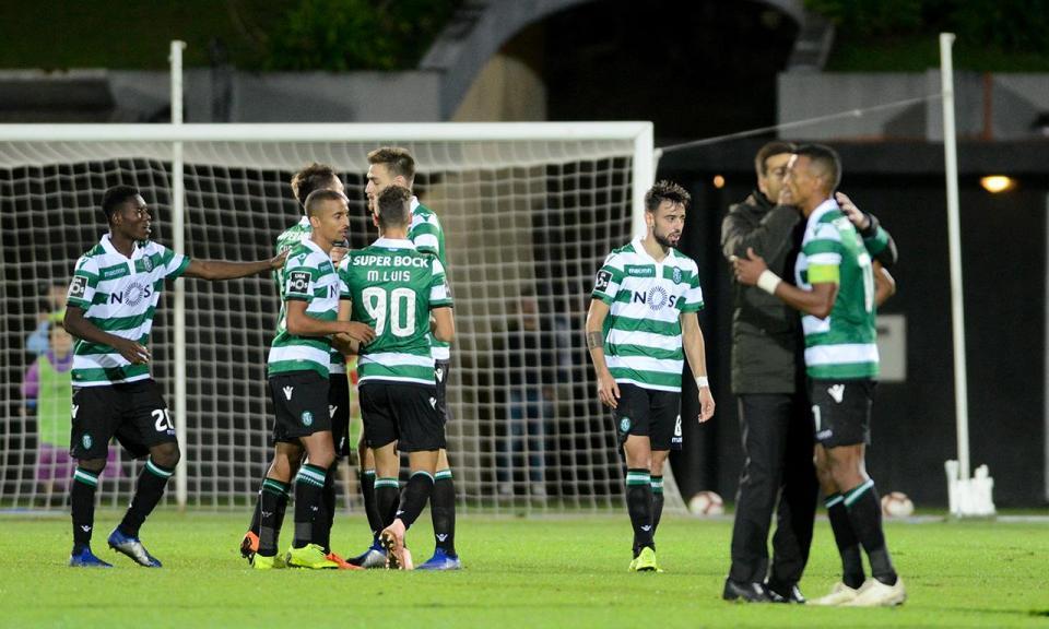 Sporting  cinco sub-23 no treino e titulares no ginásio ... 132f3fd24fe2d