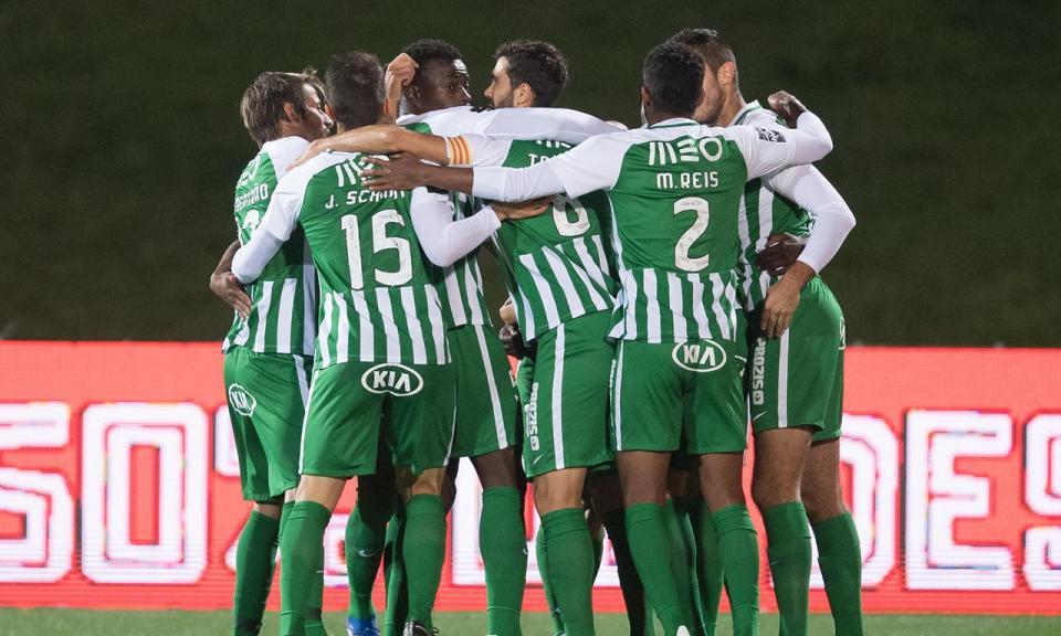 VÍDEO: Gabrielzinho faz o 0-1 no Benfica-Rio Ave