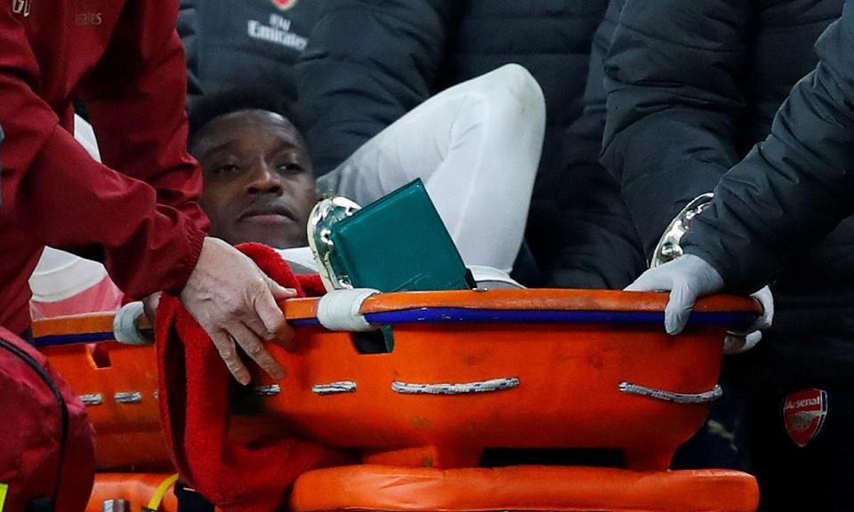 Arsenal: Welbeck internado devido à lesão sofrida com o Sporting