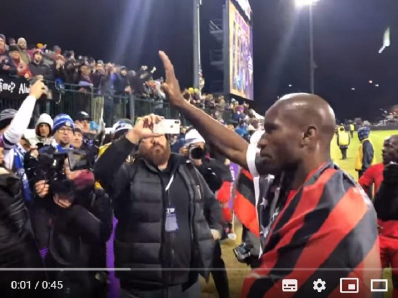VÍDEO: Drogba acabou carreira e despediu-se assim dos adeptos...
