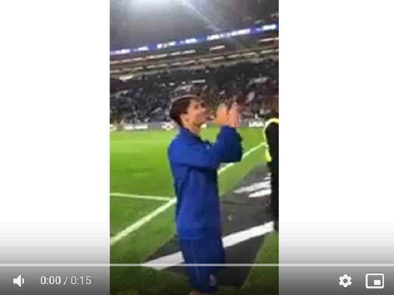 VÍDEO: adeptos do FC Porto cantaram os parabéns a Oliver