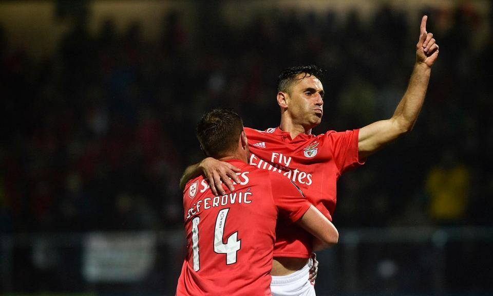 Benfica com três jogadores entregues ao departamento médico