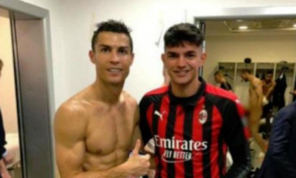 FOTO com Ronaldo no balneário apanha Chiellini todo nu  ab120fc51c16b