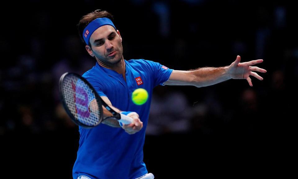 Ténis: Federer vence batalha com Tsonga e continua de pé em Halle