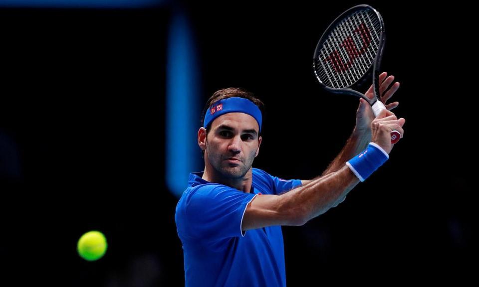 Ténis: Federer volta a jogar em terra batida quase três anos depois