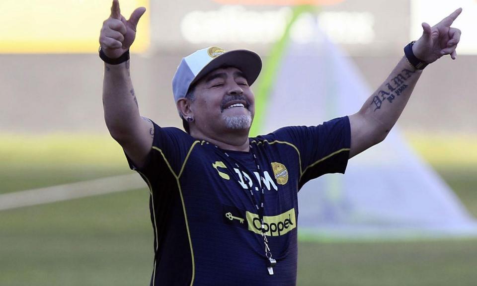 Diego Maradona foi operado em Buenos Aires e já teve alta