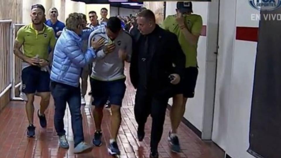 VÍDEO: autocarro do Boca Juniors atacado à chegada ao Monumental