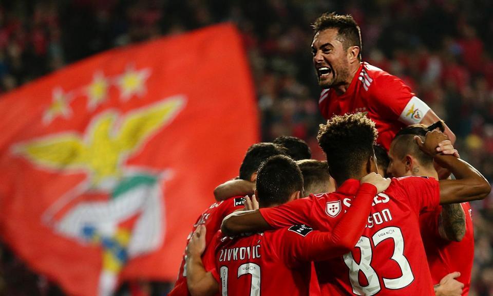 5c29f4c152 Benfica-Feirense