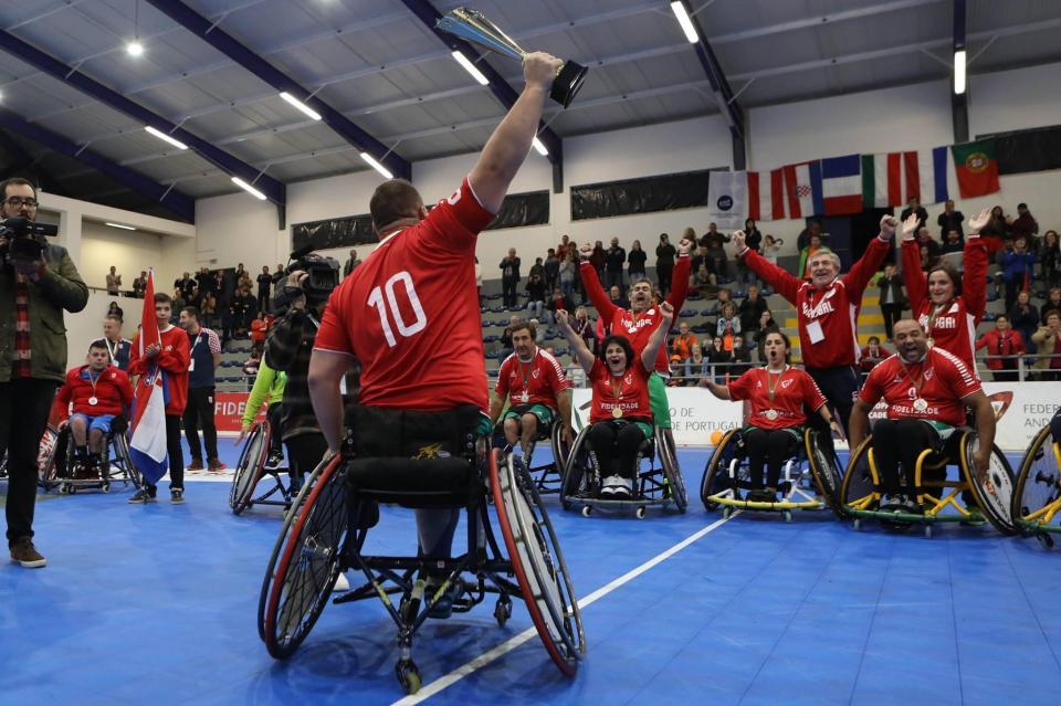 João perdeu uma perna, levantou-se e fez-se campeão europeu