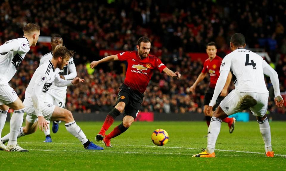 Manchester United vence e há sinais de alívio para Mourinho