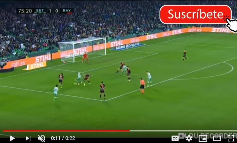 VÍDEO: É Messi? É Maradona? Não, é um golaço de Sidnei, ex-Benfica