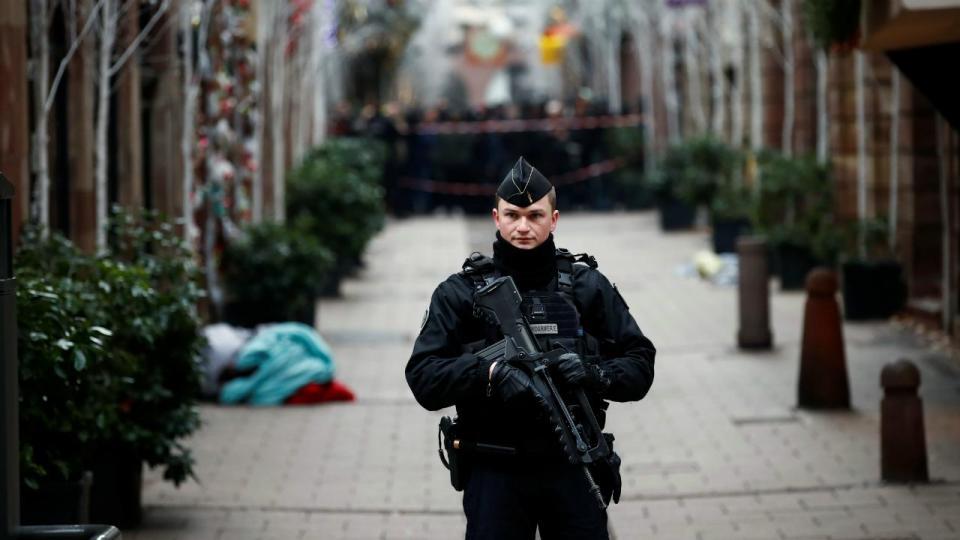 Jogos do fim de semana em França terão um minuto de silêncio