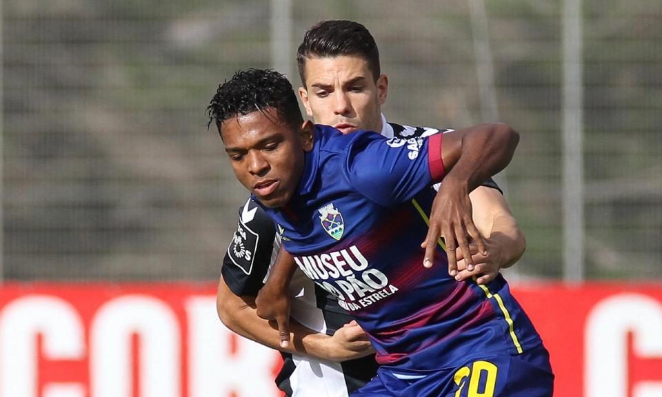 Desp. Chaves: Niltinho abandona treino com queixas físicas