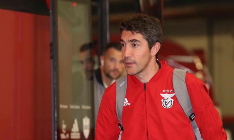 Bruno Lage dedica estreia a glória do Benfica: «Espero que esteja feliz»