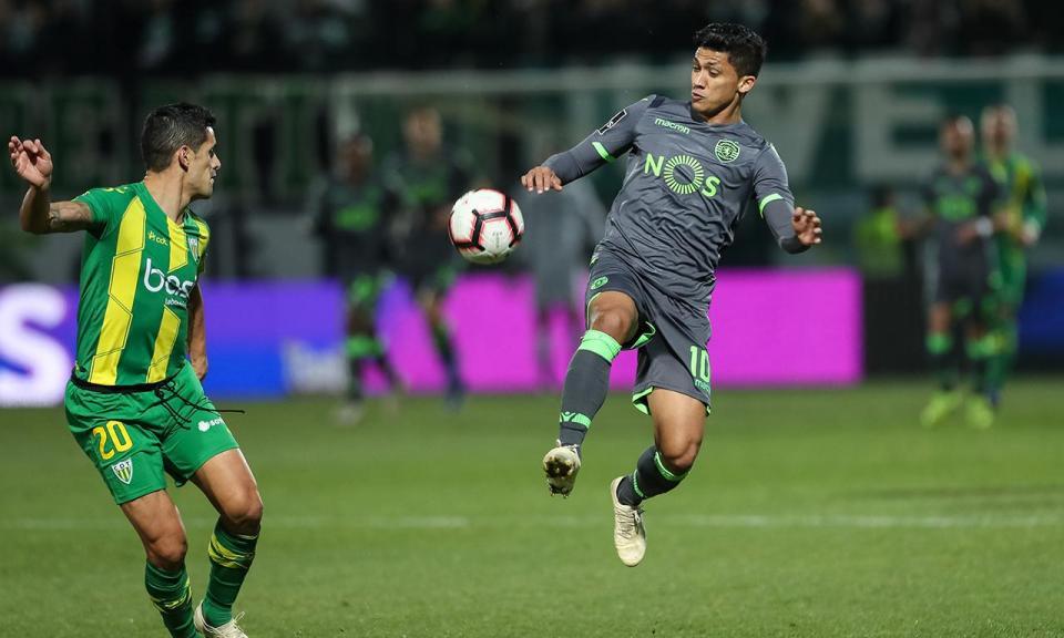 Sporting prepara FC Porto: traumatismo afasta Montero do treino