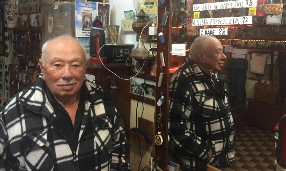 Tem 88 anos, é barbeiro e só queria ver o Benfica ao vivo nos Açores