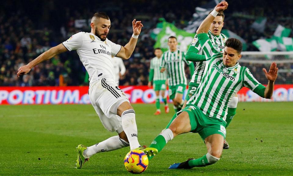 Real Madrid: Benzema com fratura no dedo