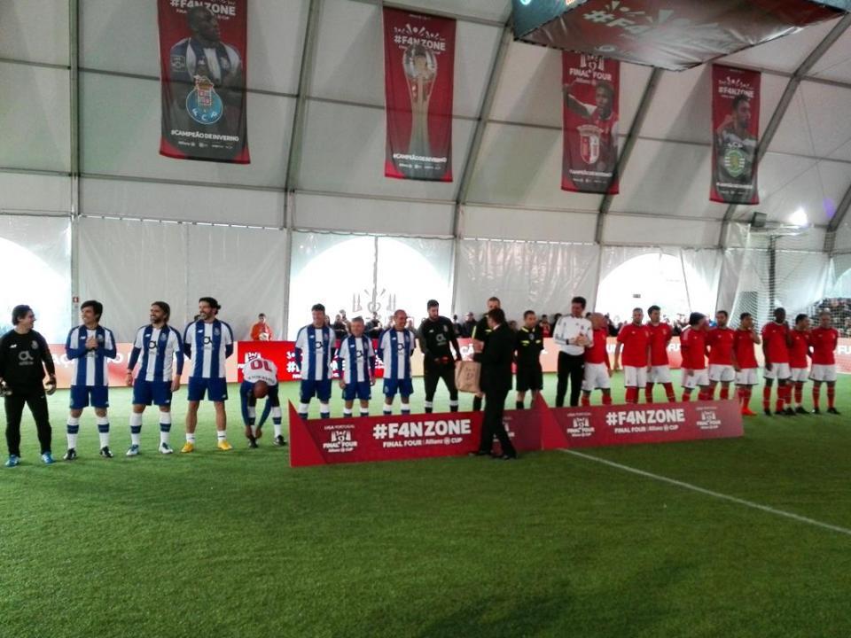 125f361fab Taça da Liga  FC Porto goleia Benfica (6-13) em jogo de antigas ...