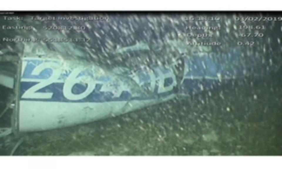 Família do piloto que transportava Sala desespera com fim das buscas