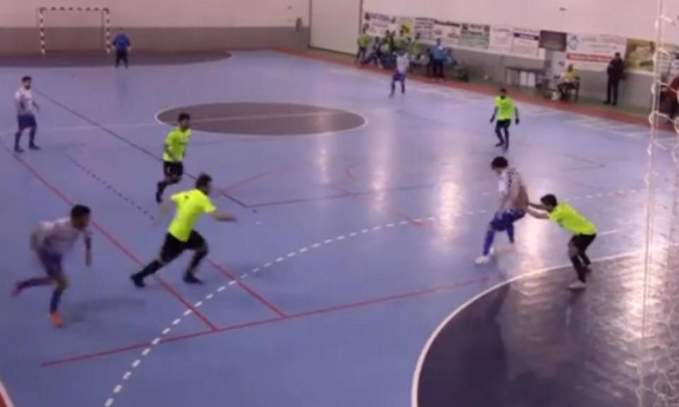 VÍDEO: um golaço de calcanhar na 2.ª Divisão Nacional de futsal