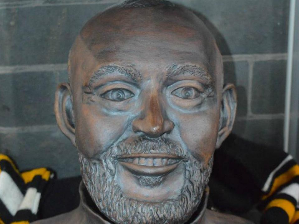 FOTO: Nuno Espírito Santo já tem um busto em Inglaterra