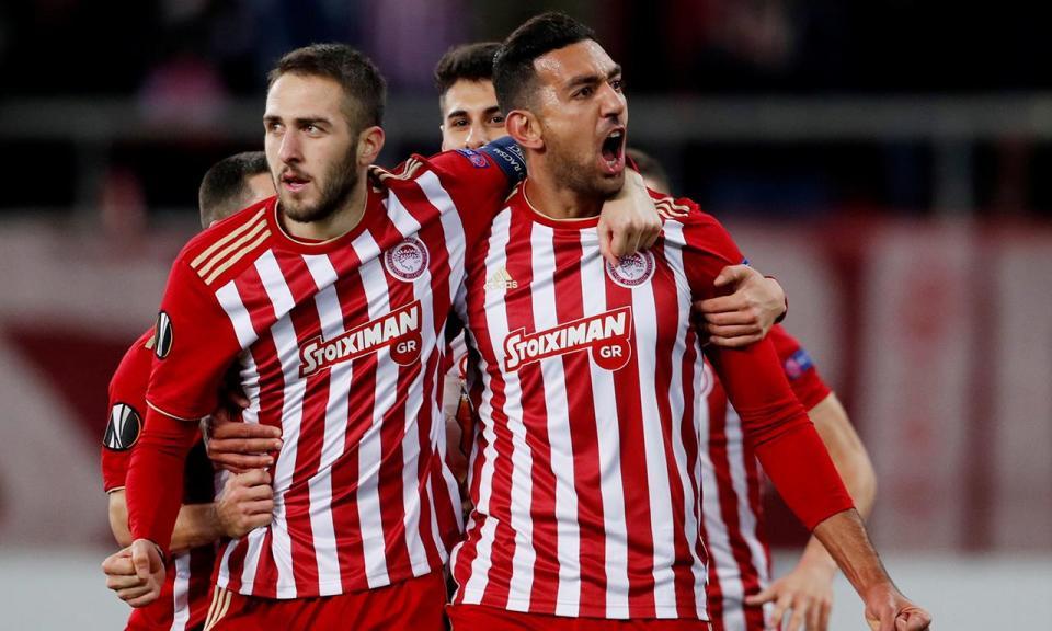 VÍDEO: Olympiakos apanha susto, mas acaba a golear AEK