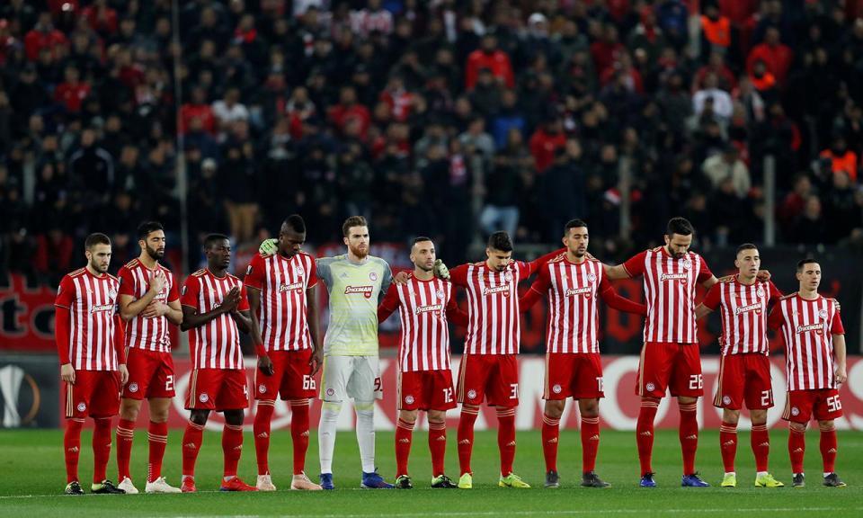 VÍDEO: Olympiakos goleia com hat-trick de Hassan e trio português