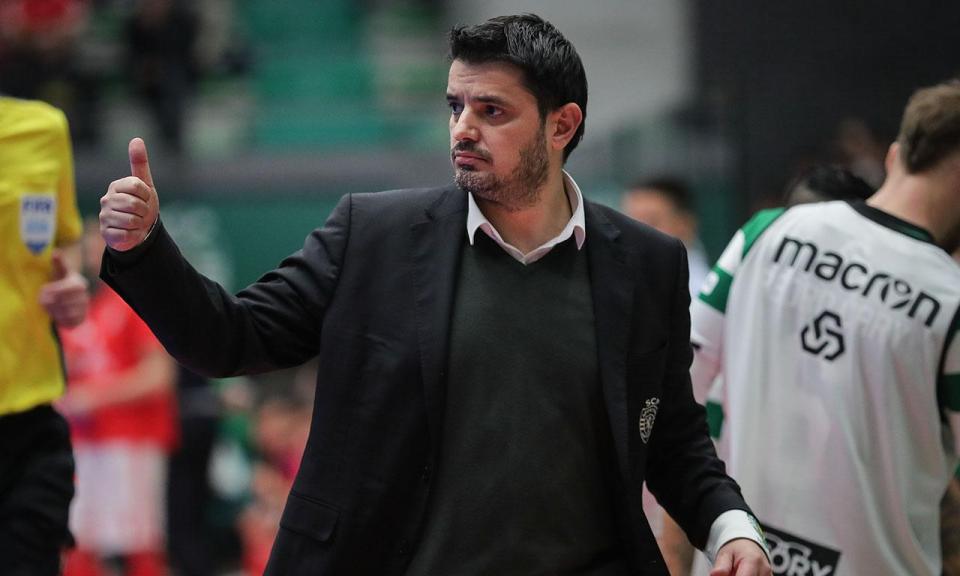 Futsal: Sporting bate Leões de Porto Salvo e lidera à condição