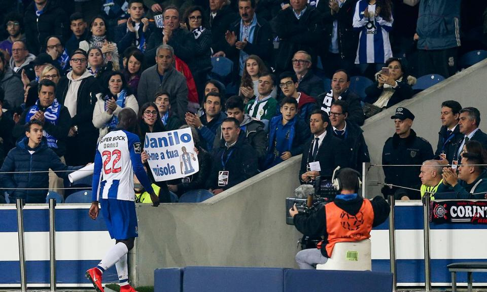 VÍDEO: cabeça de Danilo e FC Porto empata ante o Feirense