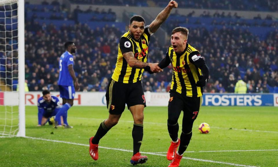 Inglaterra: hat-trick de Deulofeu e bis de Deeney destroem Cardiff
