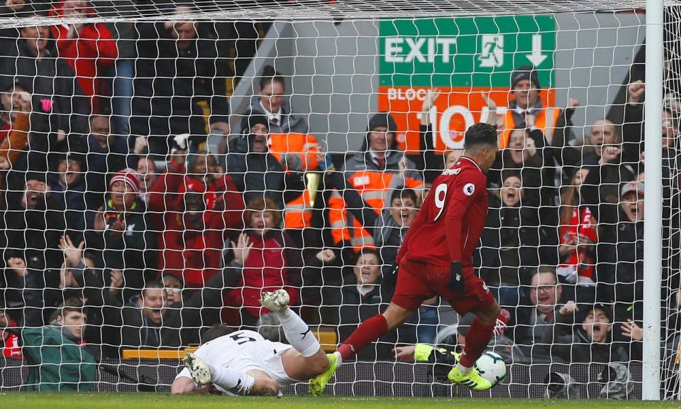 Inglaterra: aliança Firmino-Mané dá vitória ao Liverpool