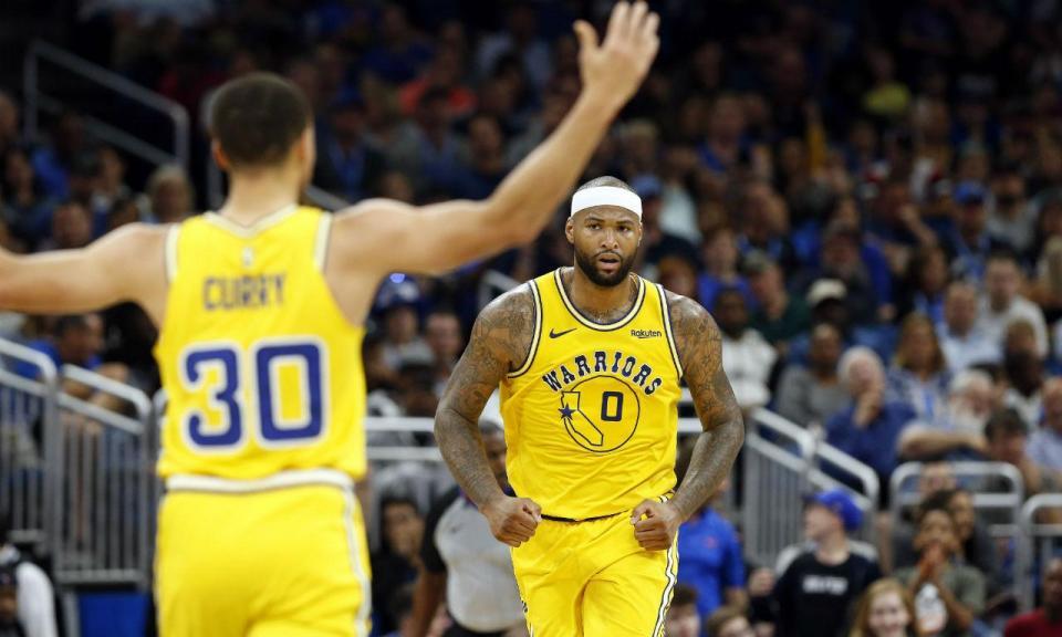 VÍDEO: Cousins passou a Curry... que estava no banco