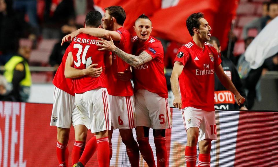 Benfica ultrapassa os 100 golos esta época