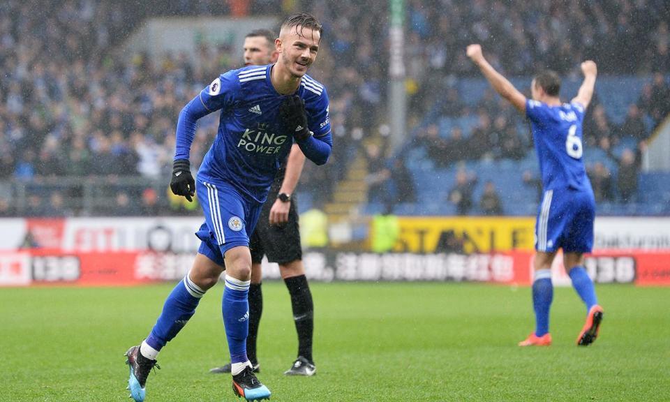 Inglaterra: Leicester vence após mais de oitenta minutos com dez