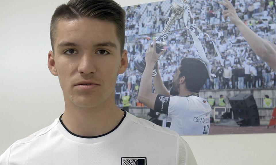 V. Guimarães contrata médio de 17 anos no Campeonato de Portugal