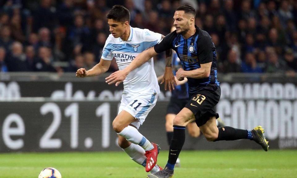 Itália: Inter de João Mário derrotado em casa pela Lazio