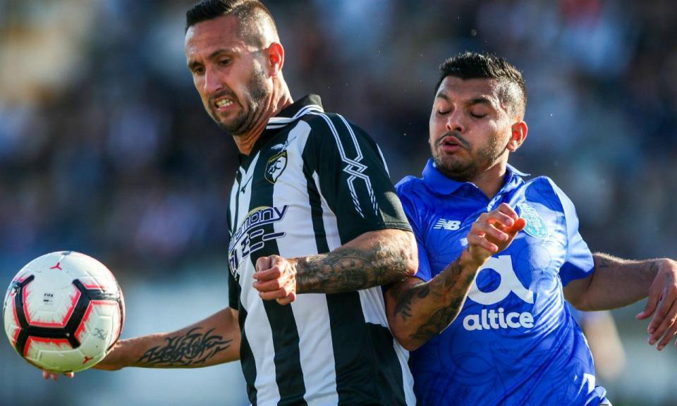 FC Porto: Corona em tratamento a três dias do Liverpool