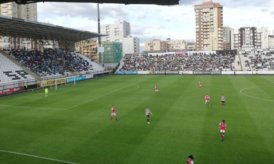 II Liga: Varzim, com menos um, vence em casa do FC Porto B