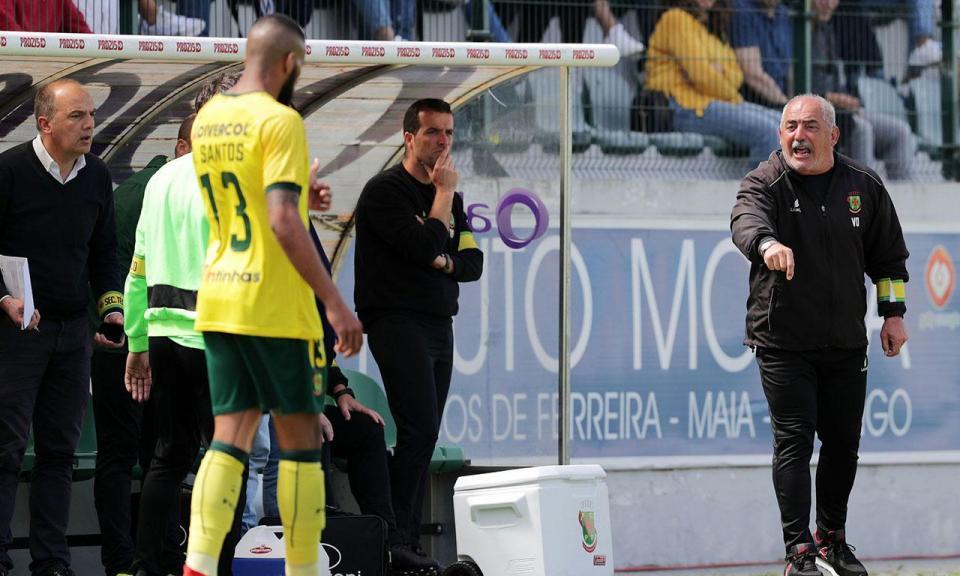 Vítor Oliveira confirma saída do P. Ferreira