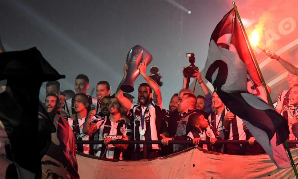 VÍDEO: Sérgio Oliveira e Vieirinha vencem Taça da Grécia pelo PAOK