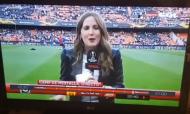 Jornalista atingida por bolada antes do Valência-Arsenal (youtube)