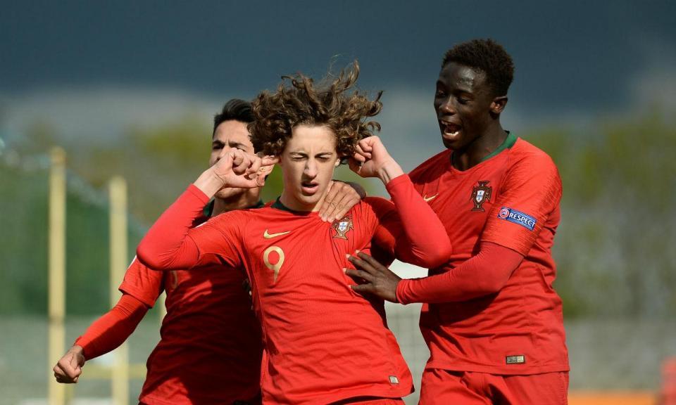 Euro sub-17: Portugal sofre mas bate Islândia e segue para os «quartos»