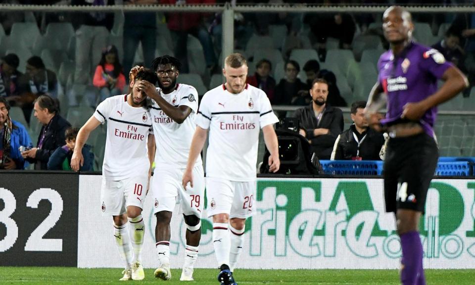 Itália: Çalhanoglu mantém Milan na luta pela Champions