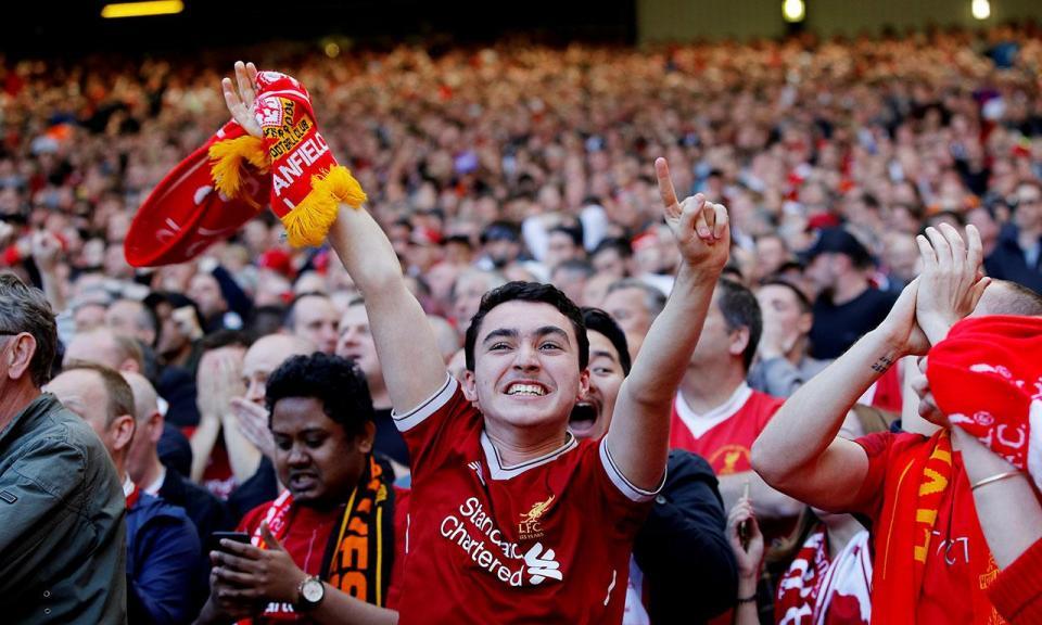 VÍDEO: Liverpool perdeu o título, mas a atmosfera de Anfield foi arrepiante
